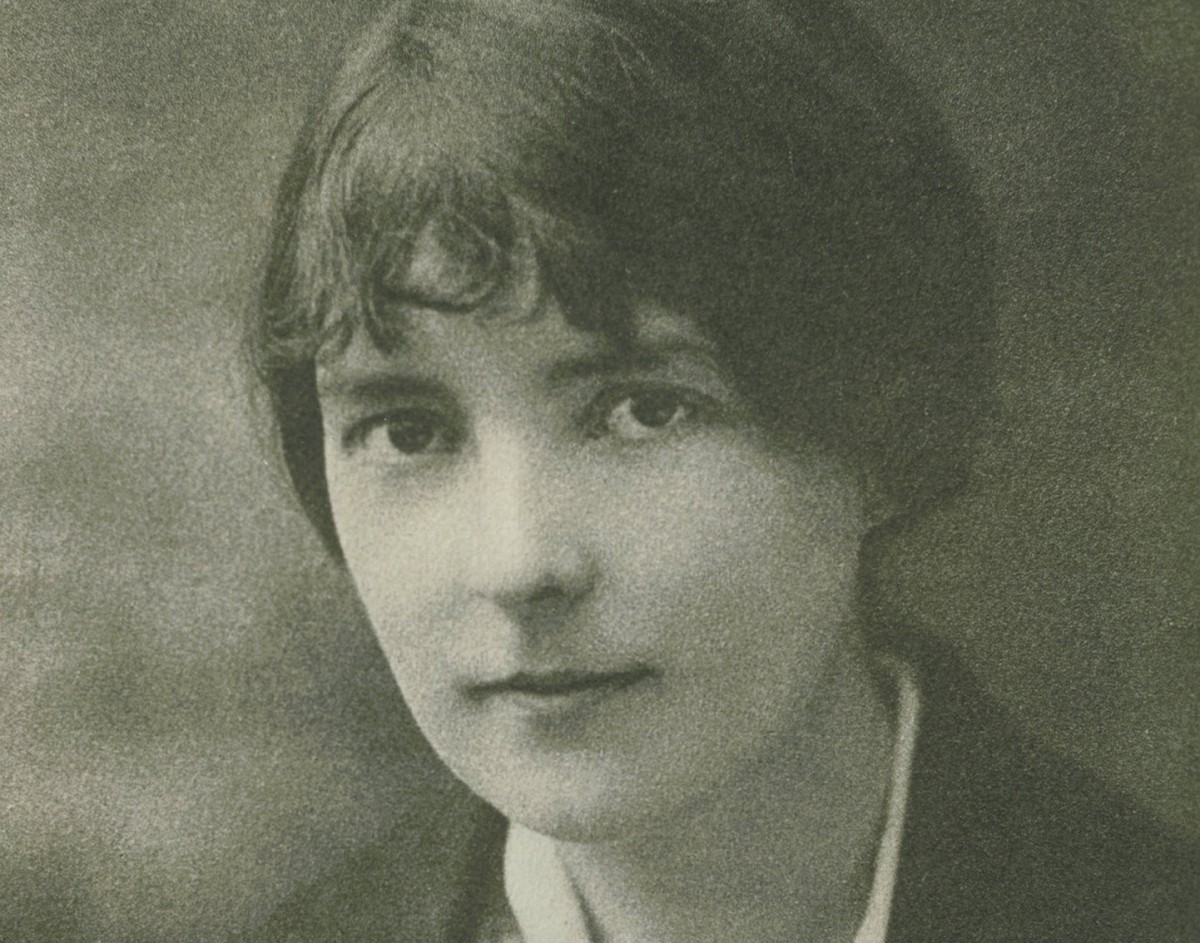 an analysis of the conflict in the novel miss brill by katherine mansfield Analysis of miss brill miss brill was written by katherine mansfield and first published on november 26 and discuss the novel.
