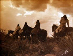 Edward_S_Curtis_Before_The_Storm_Apache